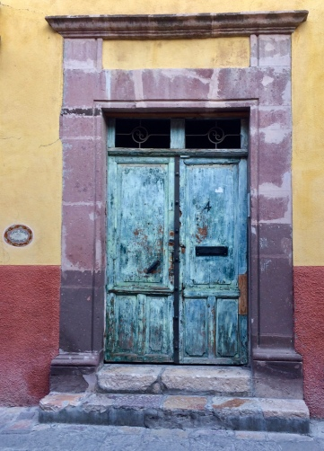 that little voice, pictures, photos, photo challenge, Norm's Thursday Door Photo Challenge, doors, painted doors, colors, San Miguel de Allende